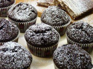 paneykola-nhstisima-cupcake-sokolatas-pou-aksizei-na-dokimasete-mommyjammi1