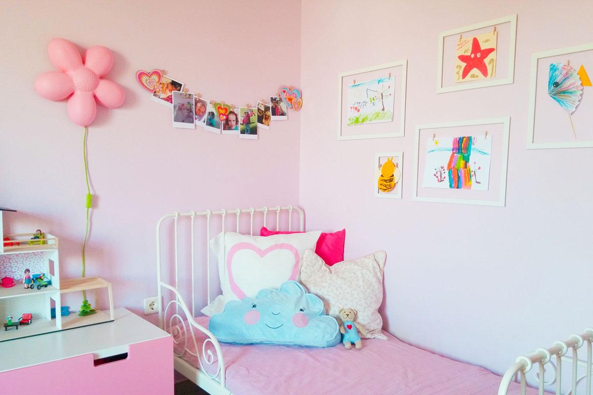 ed73c41fa63 Τον τελευταίο καιρό προσπαθώ να συμμαζέψω το δωμάτιο της Μελίνας. Πολλά  πράγματα, πολλά παιχνίδια, πολλά χρώματα. Ιδέα διακόσμησης για το παιδικό  δωμάτιο by ...